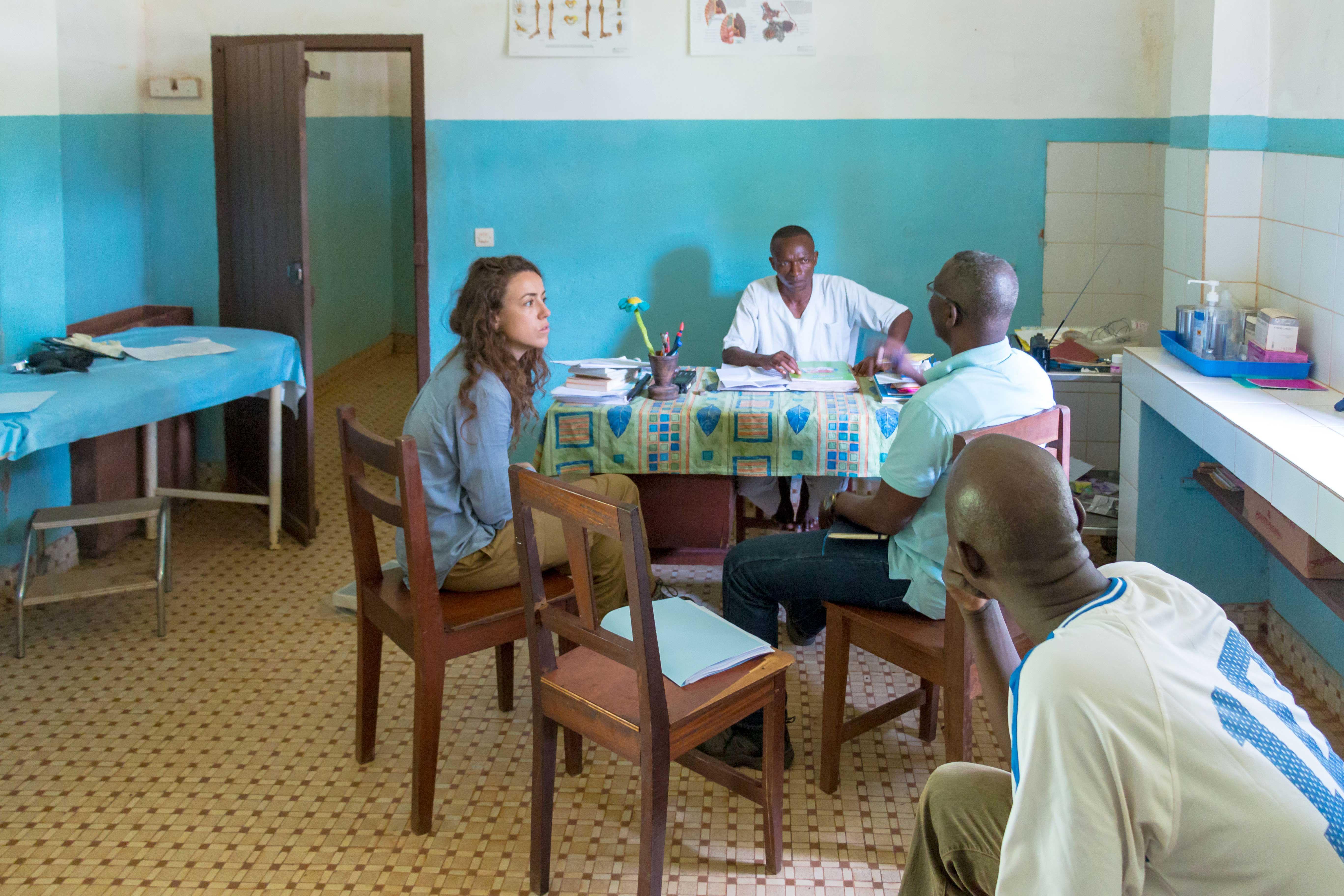 L'Institut Pasteur de Bangui, l'Institut Pasteur Paris et le Museum national d'Histoire naturelle conduisent un projet transversal de recherche nommé AFRIPOX : étude du Monkeypox dans le concept one health - infection humaine, réservoir animal, écologie de la maladie et outils de diagnostic. L'objectif est de mieux connaitre l'épidémiologie de la maladie en République Centrafricaine et tenter d'identifier son réservoir animal afin de proposer des mesures de santé publique adaptées.