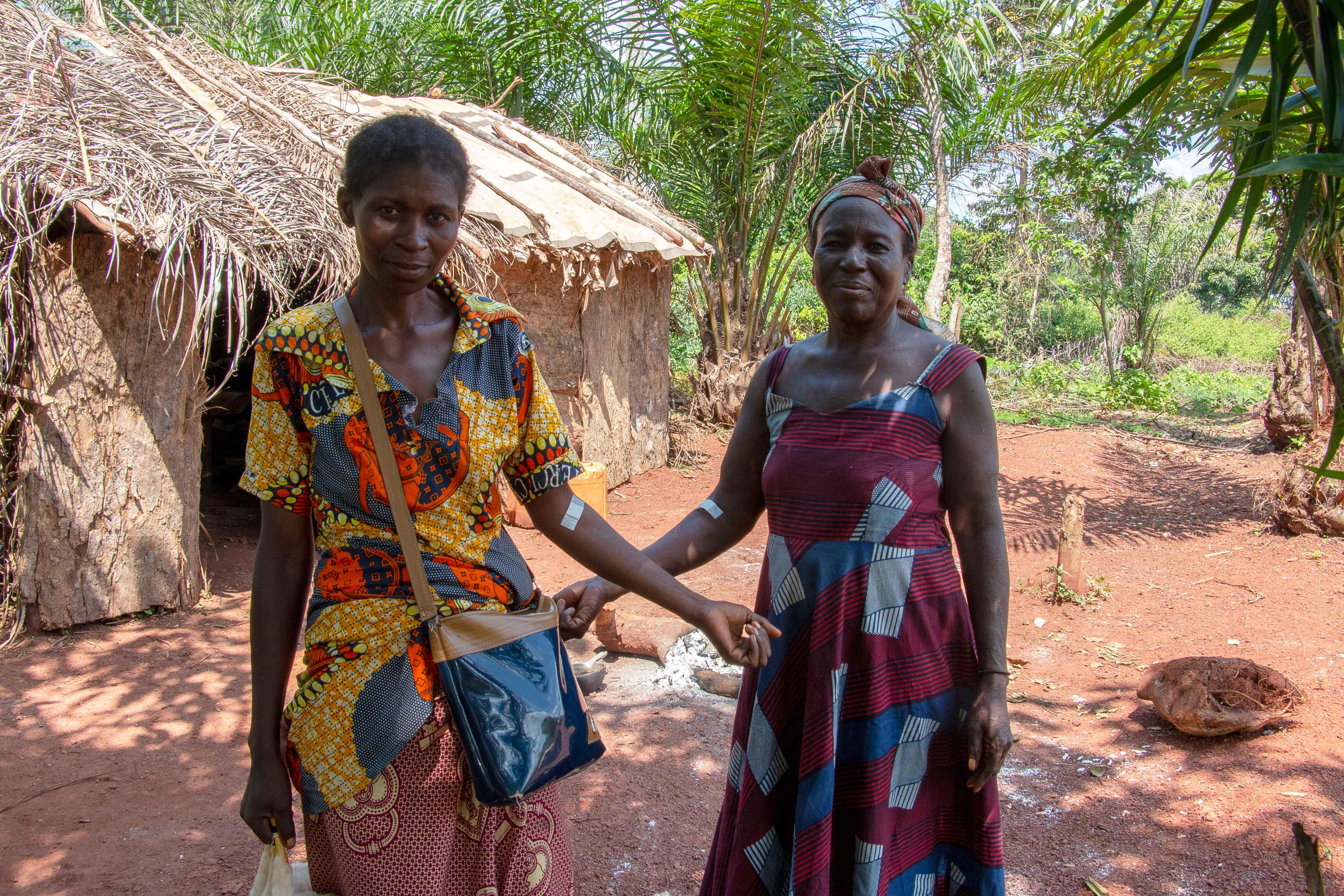 Une nouvelle étude portant sur les marqueurs de résistance aux médicaments chez le parasite du paludisme en République Centrafricaine, publiée dans Malaria Journal, révèle l'absence à Bangui de souches de Plasmodium falciparum portant des mutations décrites dans la résistance à l'artémisinine. En revanche, cette étude identifie une mutation probablement jamais observée auparavant et dont le phénotype n'est pas encore connu. L'étude a par ailleurs mis en évidence la circulation de Plasmodium ovale en co-infection avec Plasmodium falciparum, l'espèce prépondérante du parasite responsable du paludisme.